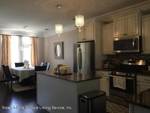 Single Family - Attached 15 Persimmons Lane  Staten Island, NY 10314, MLS-1110646-20