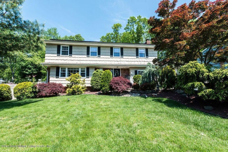 Single Family Home for Sale at 9 Kensington Drive Marlboro, New Jersey 07746 United States