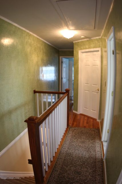 Additional photo for property listing at 105 Woodcutters Lane  Staten Island, New York 10306 United States