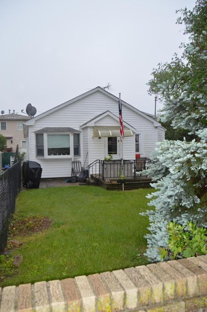 Additional photo for property listing at 2 Winfield Street  Staten Island, New York 10305 United States