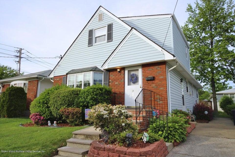 211 Seidman Avenue, Staten Island, NY 10312