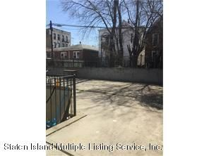 Additional photo for property listing at 140 Glen Street  Brooklyn, New York 11208 United States