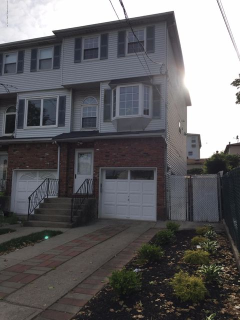 1526 Richmond Avenue, Staten Island, NY 10314