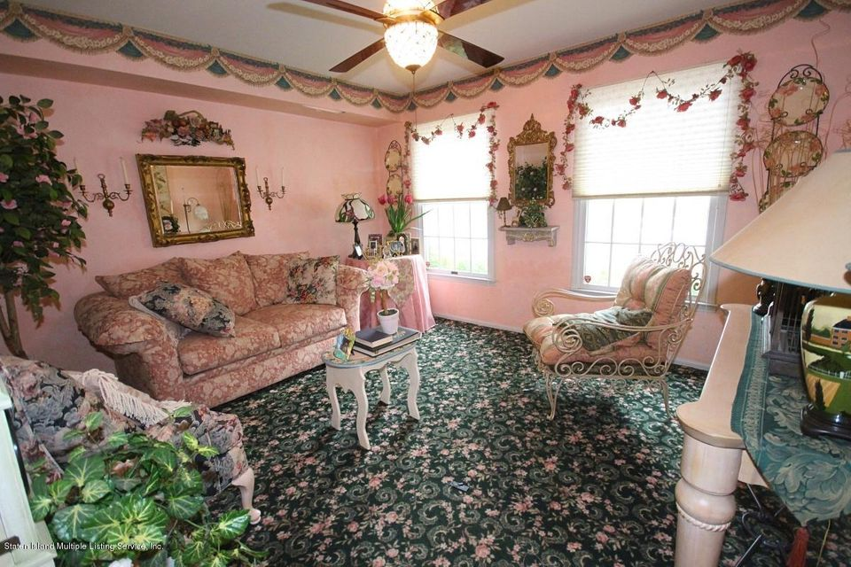 Additional photo for property listing at 6 Fonda Place  Staten Island, New York 10309 United States