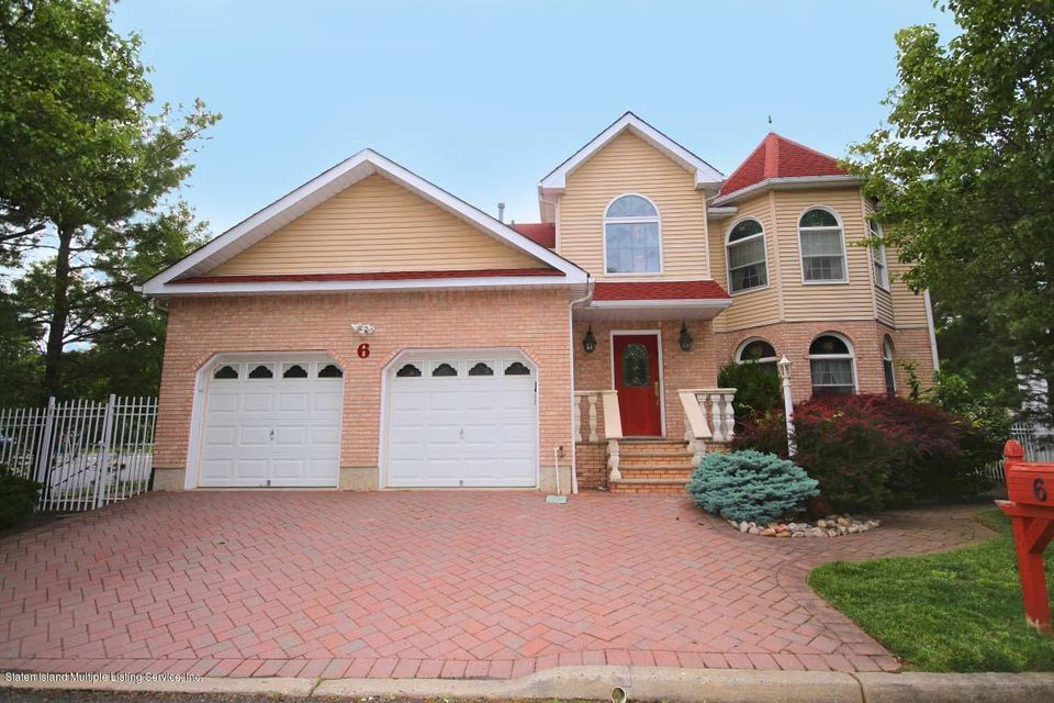Single Family Home for Sale at 6 Fonda Place Staten Island, New York 10309 United States