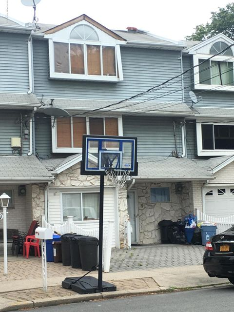47 Caswell Avenue, Staten Island, NY 10314