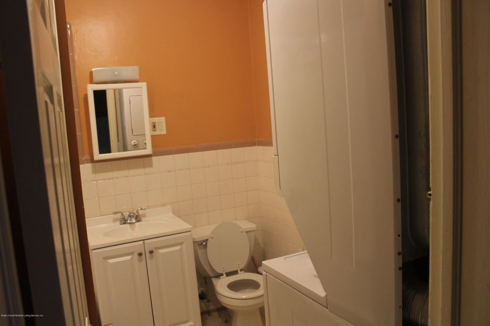 Additional photo for property listing at 528 Caswell Avenue  Staten Island, New York 10314 United States