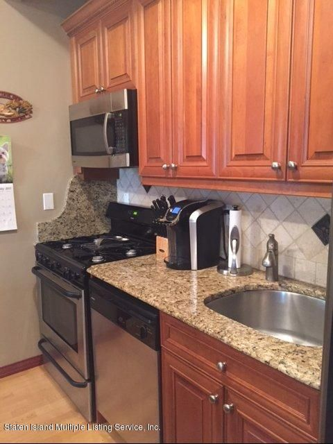 Additional photo for property listing at 6 Arc Place  Staten Island, New York 10306 United States