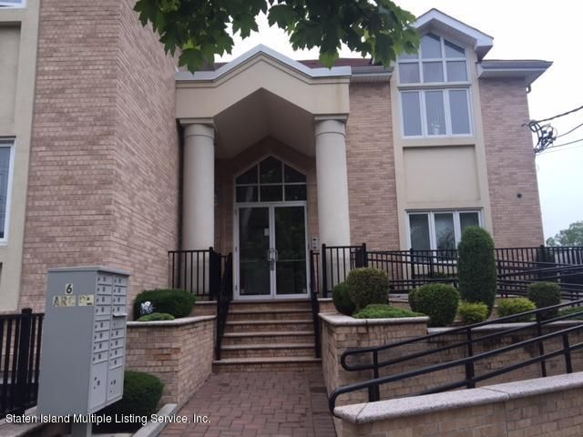 Single Family Home for Sale at 6 Arc Place Staten Island, New York 10306 United States
