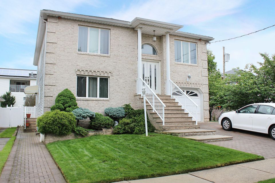 Additional photo for property listing at 117 Everett Avenue  Staten Island, New York 10309 United States