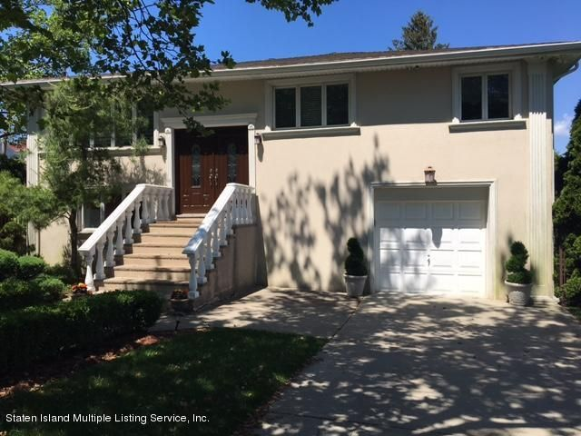 Single Family - Detached in Dongan Hills Colony - 3 Alderwood Place   Staten Island, NY 10304
