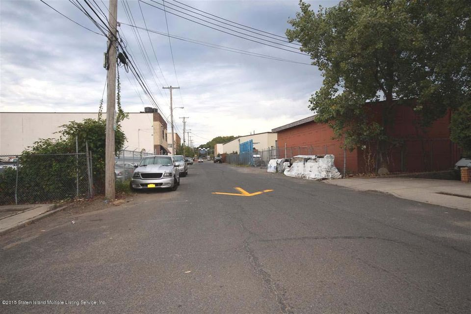 Additional photo for property listing at 112 Industrial Loop  Staten Island, New York 10309 United States
