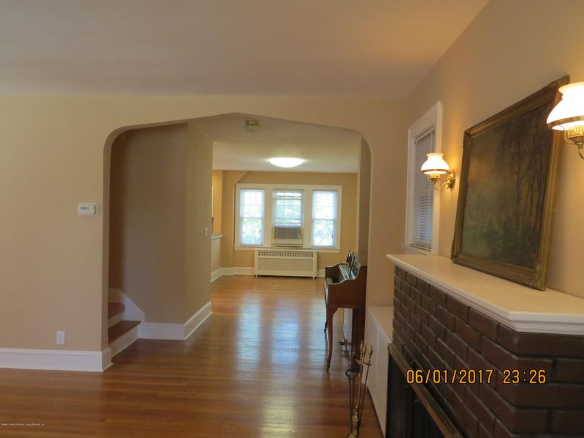 Additional photo for property listing at 542 Bard Avenue  Staten Island, New York 10310 United States