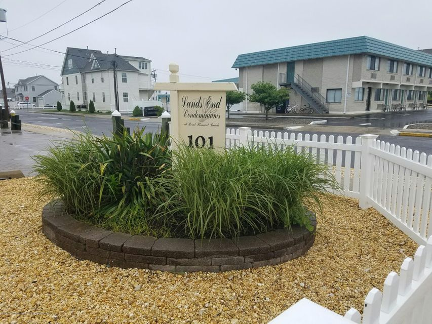 Single Family Home for Sale at 101 New Jersey Avenue Point Pleasant Beach, New Jersey 08742 United States