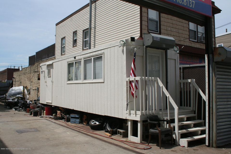 Additional photo for property listing at 262 Pulaski Street  Staten Island, New York 10303 United States