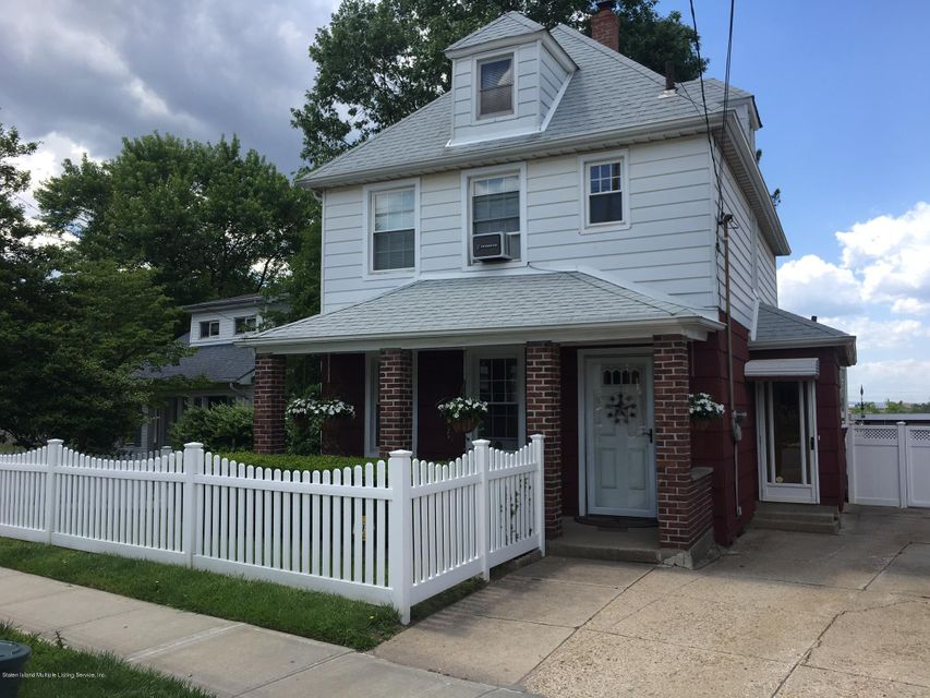 Single Family - Detached 3879 Victory Boulevard  Staten Island, NY 10314, MLS-1111140-3
