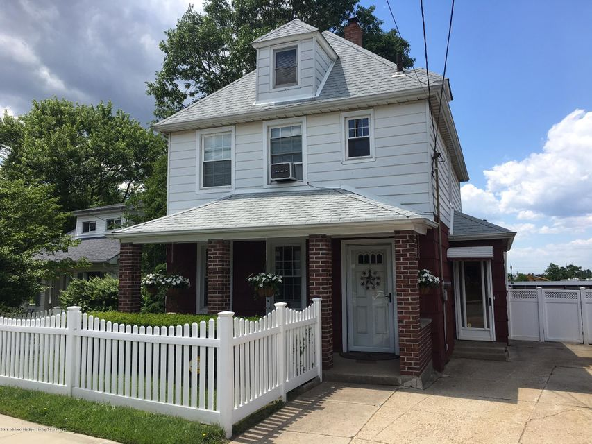 Single Family - Detached in Travis - 3879 Victory Boulevard  Staten Island, NY 10314