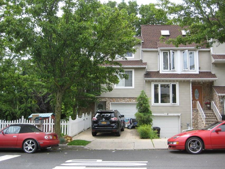 8 Notus Ave, Staten Island, NY 10312