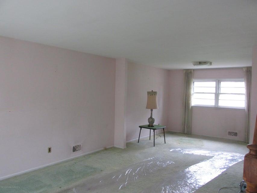 Single Family - Detached 102 Elmira Street  Staten Island, NY 10306, MLS-1111166-3