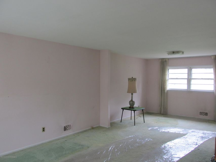 Single Family - Detached 102 Elmira Street  Staten Island, NY 10306, MLS-1111166-10