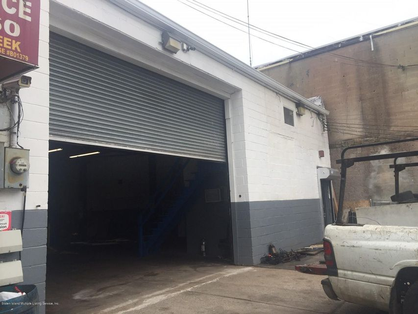 Commercial for Rent at 246 Parkinson Avenue Staten Island, New York 10305 United States