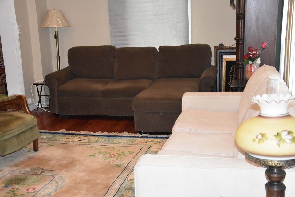 Additional photo for property listing at 28 Macfarland Avenue  Staten Island, New York 10305 United States
