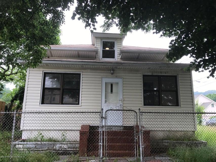 1088 Targee Street, Staten Island, NY 10304