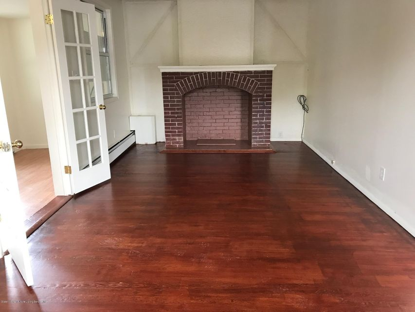 Additional photo for property listing at 1088 Targee Street  Staten Island, New York 10304 United States