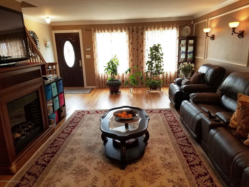 Single Family - Semi-Attached 409 Englewood Ave   Staten Island, NY 10309, MLS-1111209-2