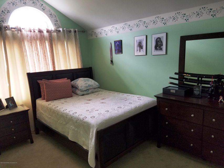 Single Family - Semi-Attached 409 Englewood Ave   Staten Island, NY 10309, MLS-1111209-10