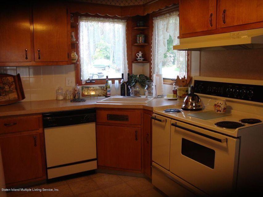 Additional photo for property listing at 116 Bayview Ave  Staten Island, New York 10309 United States