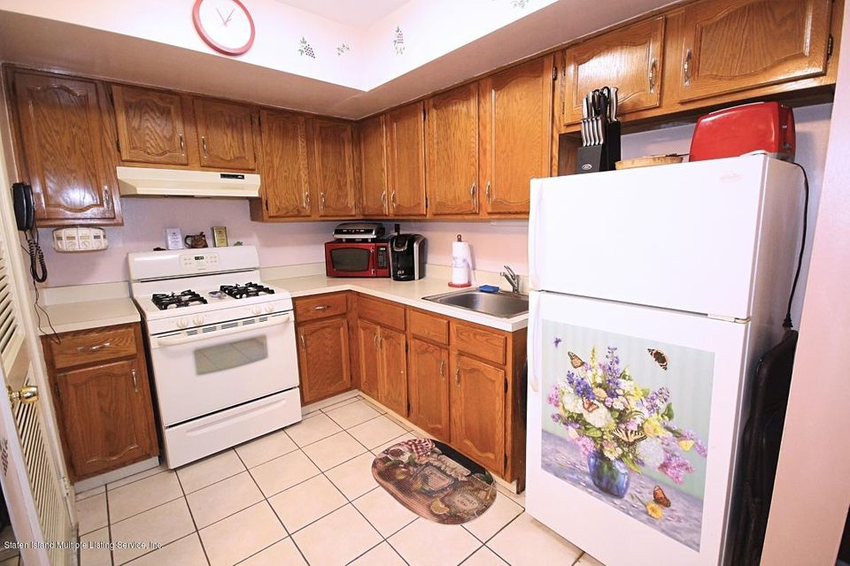 Additional photo for property listing at 524 Lisk Avenue  Staten Island, New York 10303 United States