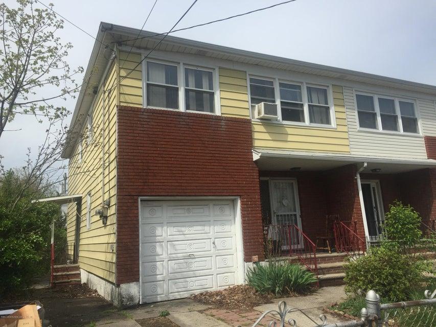180 Hickory Avenue, Staten Island, NY 10305