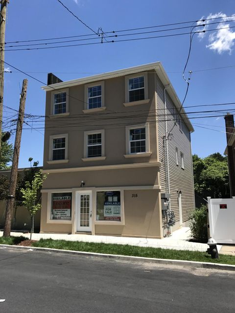 Commercial for Sale at 315 York Avenue Staten Island, New York 10301 United States