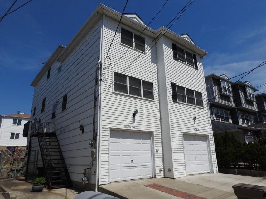 Single Family Home for Rent at 151 Ontario Avenue Staten Island, New York 10301 United States