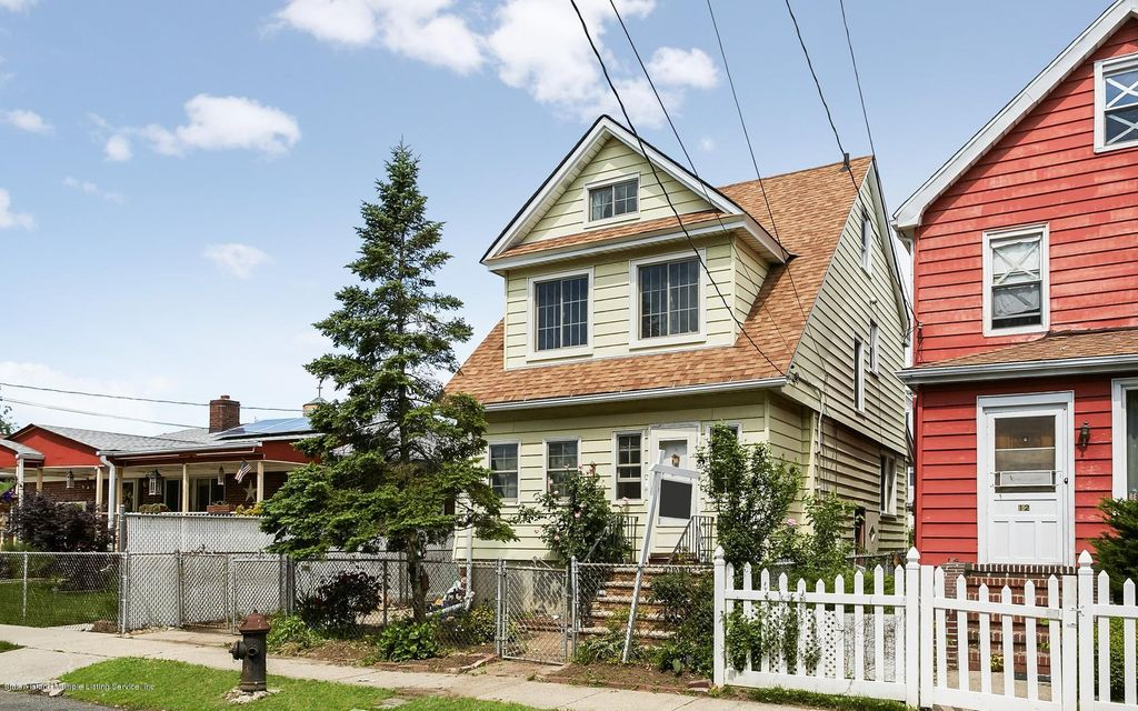 Additional photo for property listing at 16 Riley Place  Staten Island, New York 10302 United States