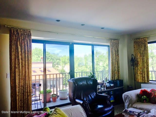 Additional photo for property listing at 31 Hylan Boulevard  Staten Island, New York 10305 United States