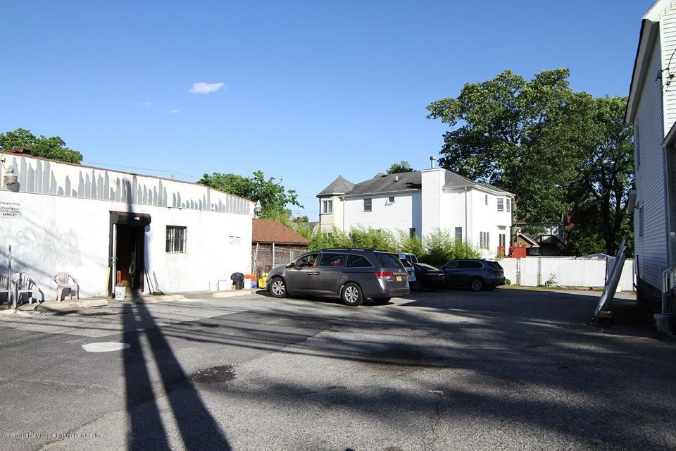Additional photo for property listing at 7246 Amboy Road  Staten Island, New York 10307 United States