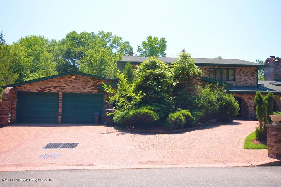 Single Family Home for Sale at 24 Singleton Street Staten Island, New York 10309 United States