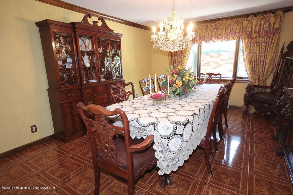 Additional photo for property listing at 24 Singleton Street  Staten Island, New York 10309 United States