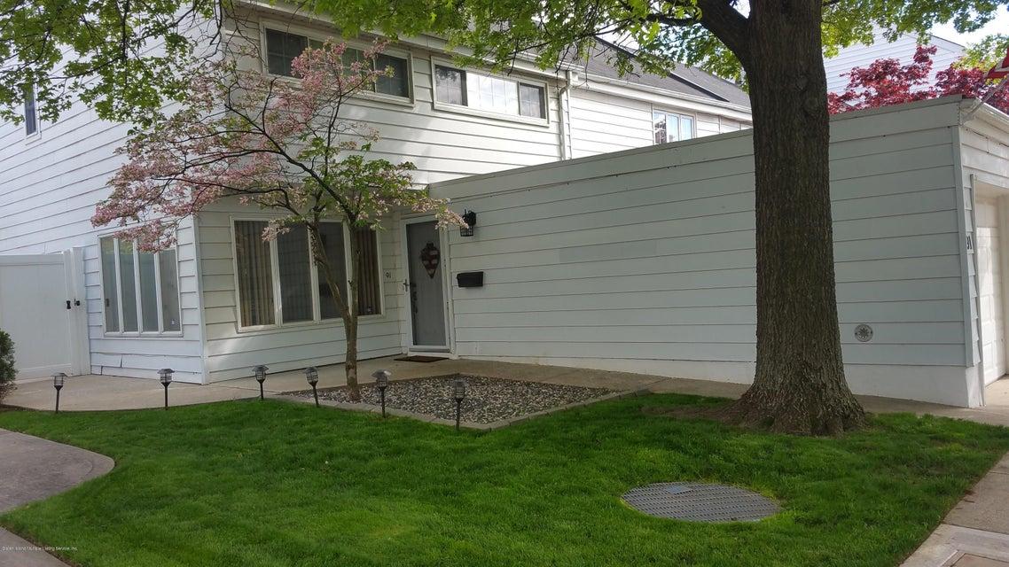 91 Hampton Green, Staten Island, NY 10312