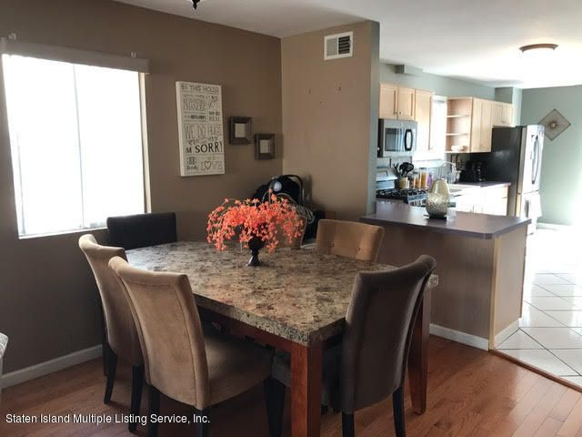 Additional photo for property listing at 26 Bentley Lane  Staten Island, New York 10307 United States