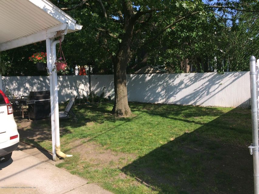 Additional photo for property listing at 7584 Amboy Road  Staten Island, New York 10307 United States