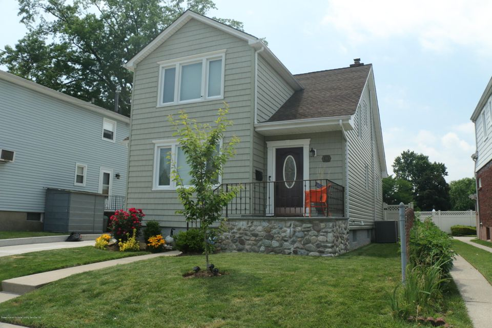 Single Family Home for Sale at 34 Miller Street Staten Island, New York 10314 United States