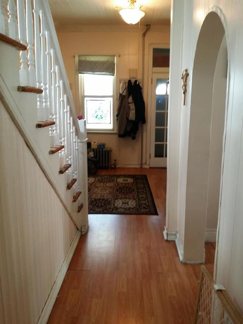 Additional photo for property listing at 23 Degroot Place  Staten Island, New York 10310 United States