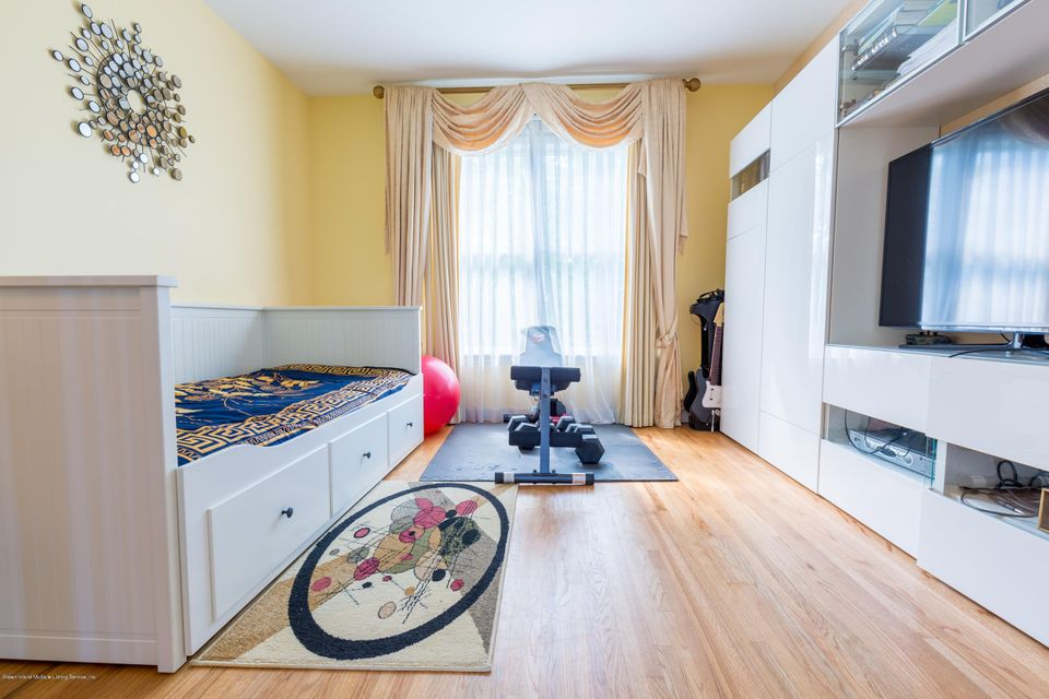 Two Family - Detached 262 Shotwell Avenue  Staten Island, NY 10312, MLS-1111496-8