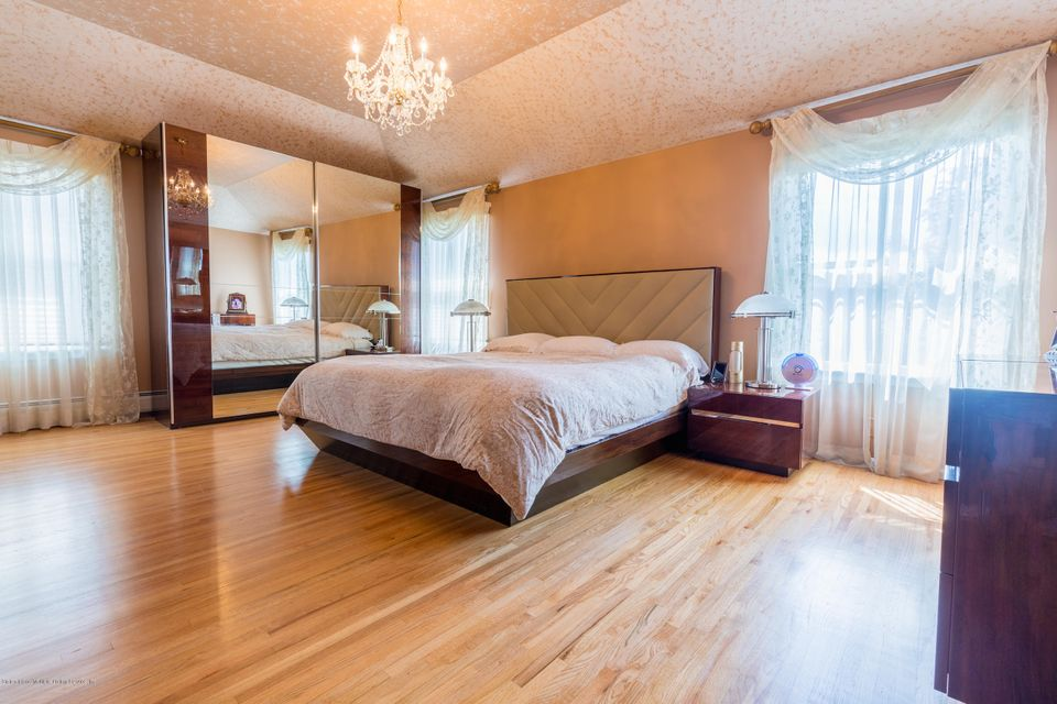 Two Family - Detached 262 Shotwell Avenue  Staten Island, NY 10312, MLS-1111496-20