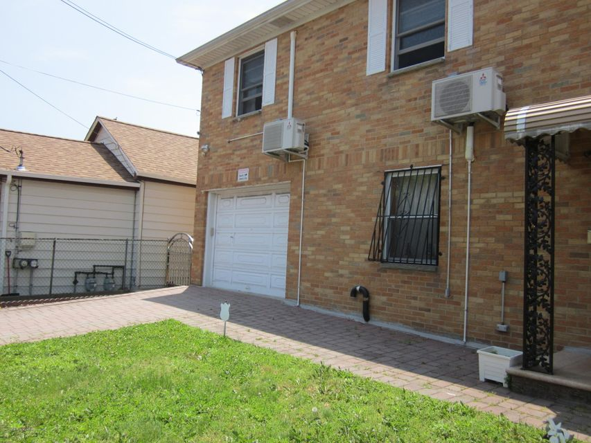 Additional photo for property listing at 148 Sand Ln  Staten Island, New York 10305 United States