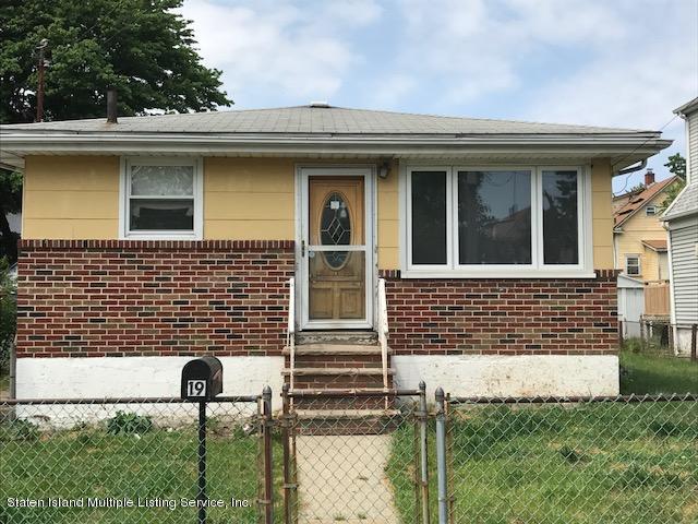 19 Benjamin Place, Staten Island, NY 10303