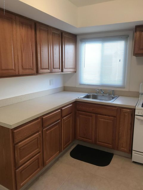 Additional photo for property listing at 136 Hopkins Avenue  Staten Island, New York 10306 United States